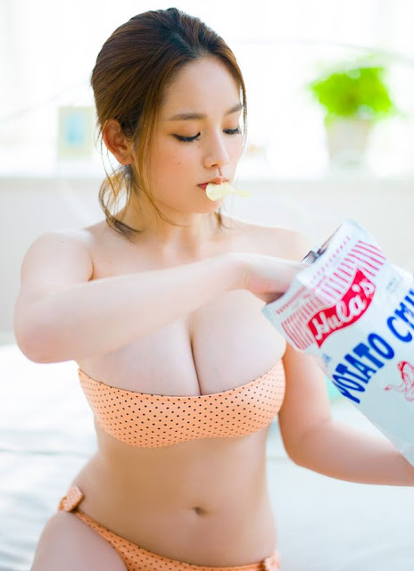 3 japanese girls Fumika Baba, Katayama Moemi, Kakei Miwako are so sexy with Bikini 12