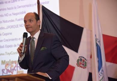 Nieto de Trujillo aspira a la presidencia de la RD