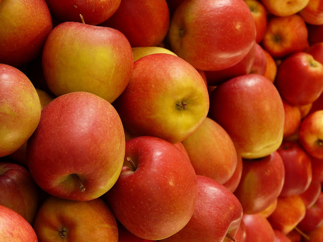 What to Cook with Apples? Three Easy Apple Recipes