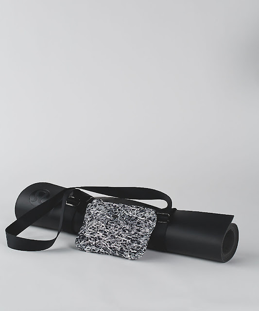 lululemon essential-mat-carrier