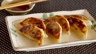 Gyoza (Japanese Potstickers / Fried Dumplings)