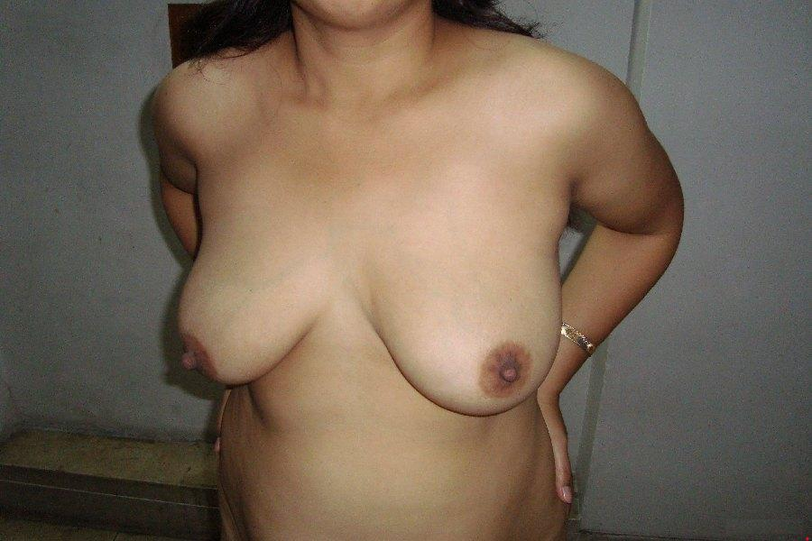 mature indian aunty pussy spread