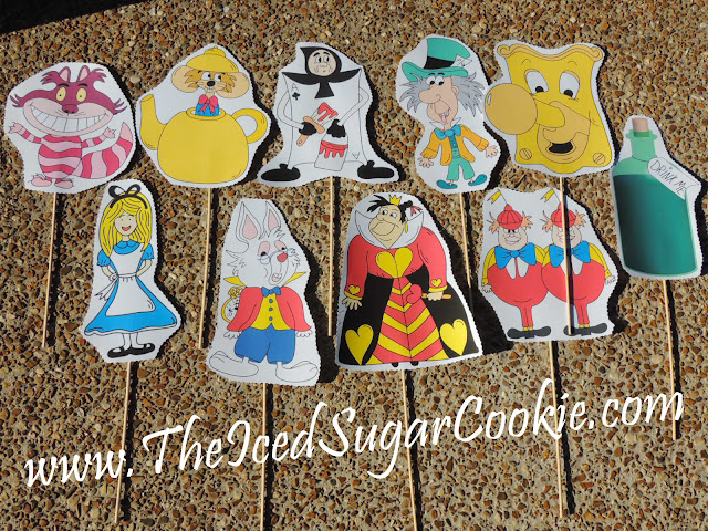 Alice In Wonderland Photo Booth Props And Hanging Banner Garland- Free Printable