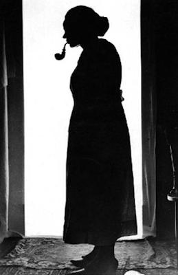 La silueta de Miss Peregrine - Cine de Escritor