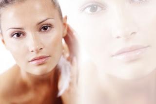 نصائح لتنظيف البشره الحساسه بعمق