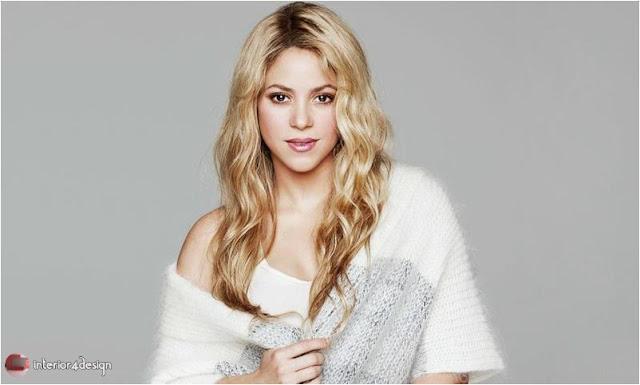 Female Decorations At Shakira's Palace 1
