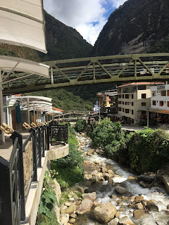 puentes que conectan aguas calientes