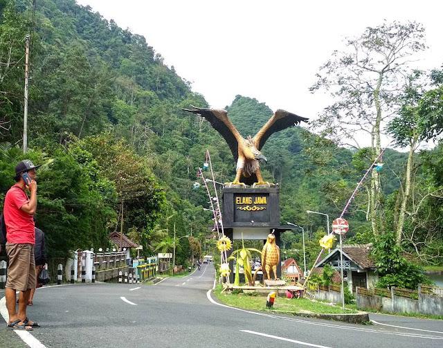 Wisata liburan cocok untuk keluarga - Taman Wisata Kaliurang Lereng Merapi Yogyakarta