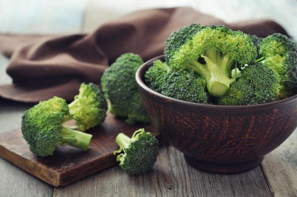 Sebaiknya Hindari 6 Makanan Ini, yang Berpotensi  Bikin Bau Kentutmu Makin Menjadi-jadi!