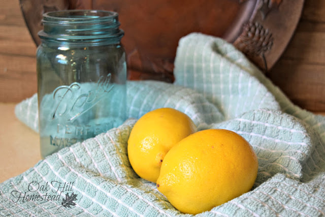 Lemon balm, lemons and honey make a delicious lemonade.