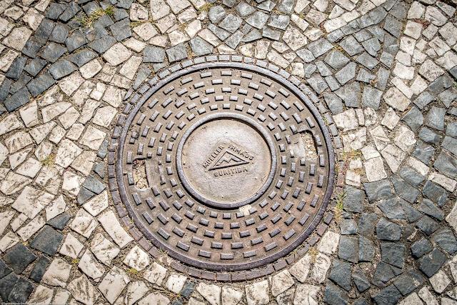 tampa de bueiro com identificação da Fundição Müeller