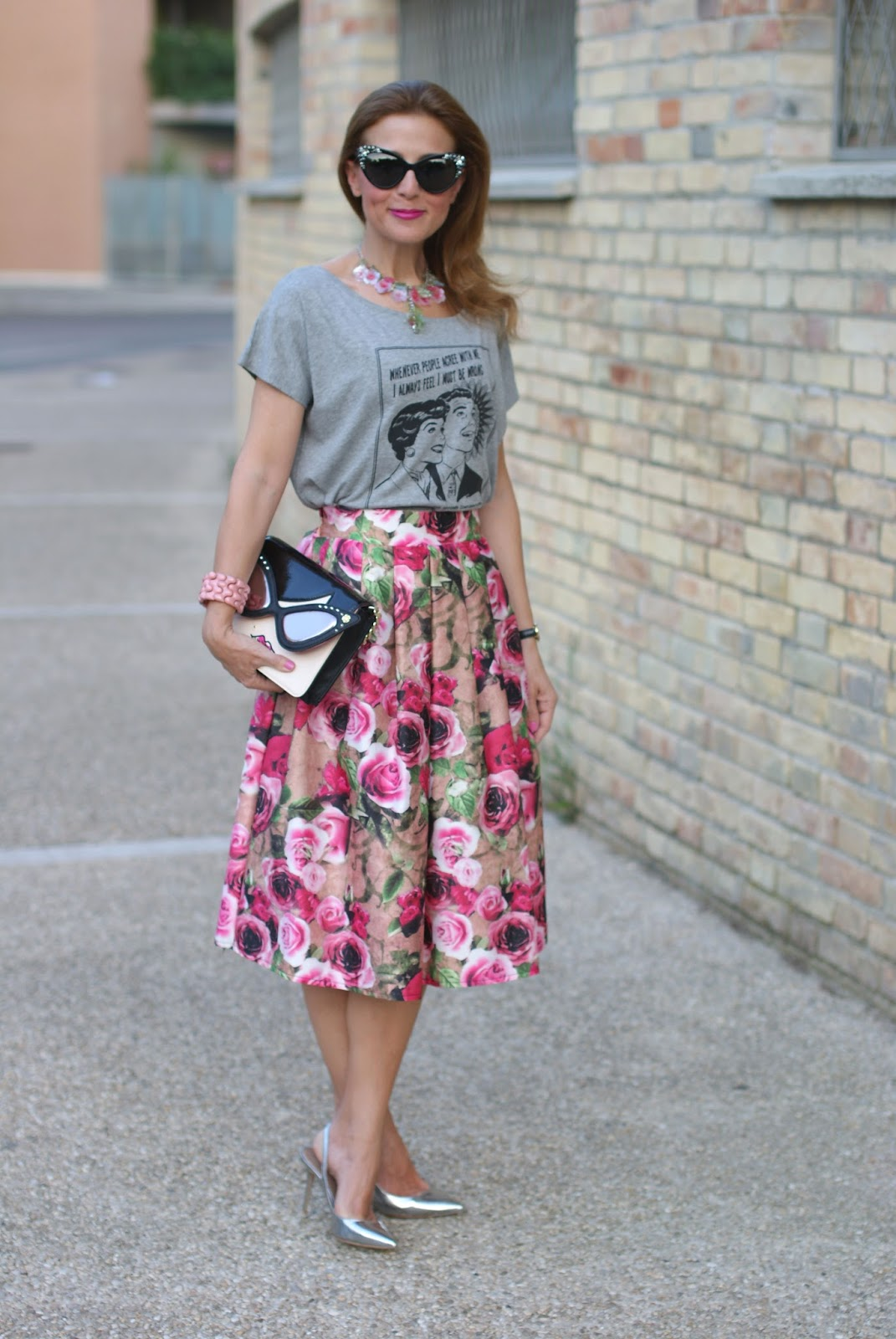 Midi skirt with rose print and Kate Spade clutch on Fashion and Cookies fashion blog, fashion blogger style