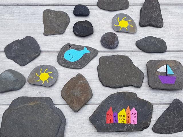 DIY: Ein Steinmemory für Kinder aus bemalten Steinen. Die Steine könnt Ihr zusammen mit Euren Kindern bemalen.