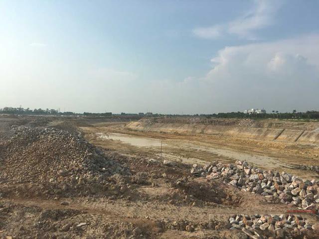 Khu vực hồ điều hòa đang được xây dựng