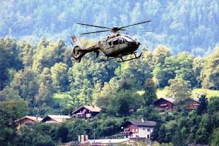 El Ministerio de la Defensa confirmó esta mañana la muerte del piloto  que sobrevolaba los Alpes en un F/A-18 del Ejército suizo. El cuerpo del piloto militar de 27 años fue identificado esta mañana.