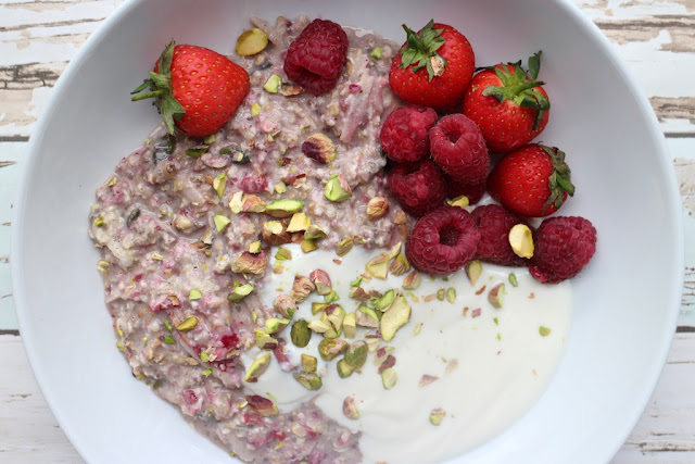 Banana, apple and raspberry overnight oats recipe