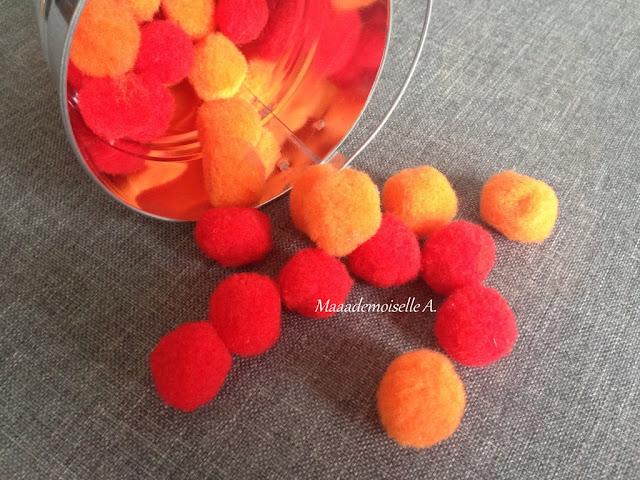 || Table des saisons : L'automne - Pompons colorés
