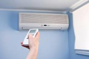 2. Feeling constantly fatigued When temperature of air conditioning is set very low, it causes internal shivering in a person's body and when that individual works overtime it produces more heat causing constant fatigueness which is the most crucial negative health effect of air conditioning.