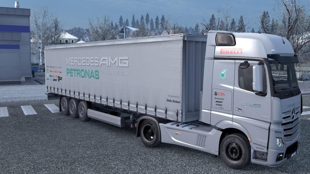 AMG Petronas Combo Pack