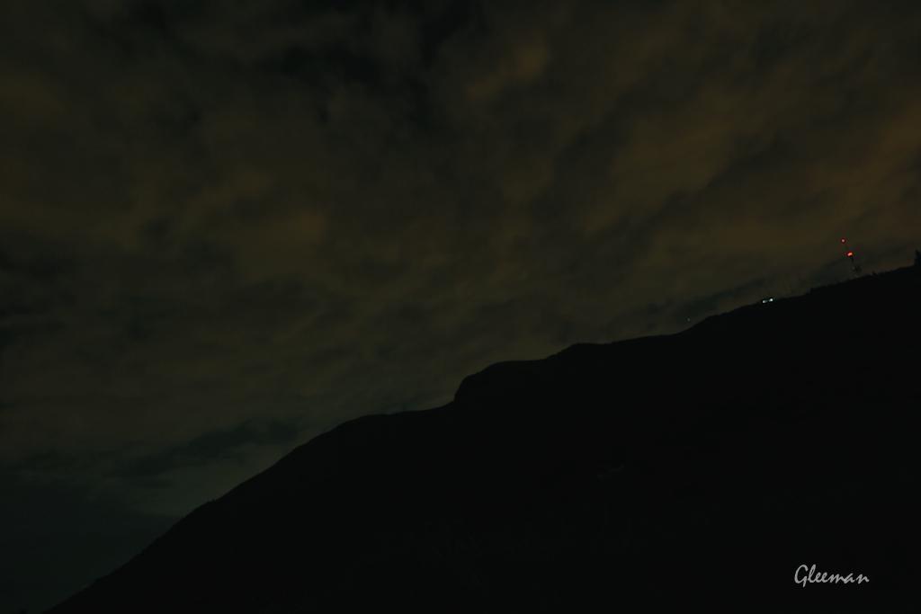 大約十點十一點多還是滿滿的雲。