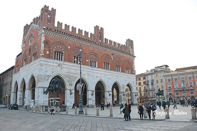 Palacio Gótico de Piacenza