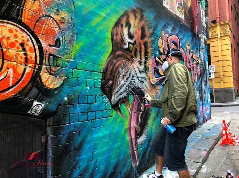 melbourne spray painting graffiti playground