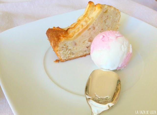 plumcake-servido-con-helado