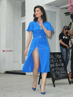 Olivia-Munn-at-Proactiv-Pop-Up-Experience-8+%7E+SexyCelebs.in+Exclusive.jpg