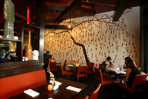 The wall mural art at gardens 39 asian restaurant for Cafe wall mural