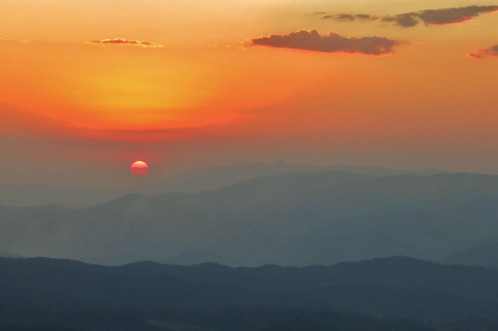 Pôr do Sol no Pico Agudo, em Santo Antônio do Pinhal
