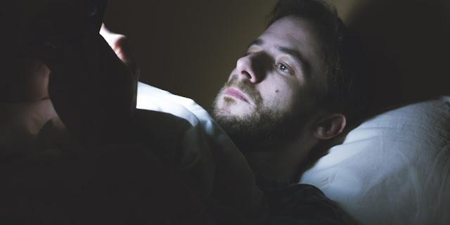 Lại đi ngủ muộn rồi, đcm bảo đi ngủ sớm mà vẫn ngủ muộn -_-