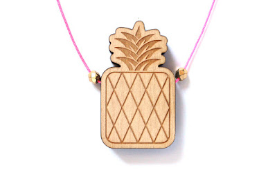 http://www.lesfollesmarquises.com/product/pendentif-mini-ananas
