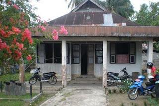Rumah seorang Ahli waris dari kerajaan inderapura di Muaro Sakai Inderapura