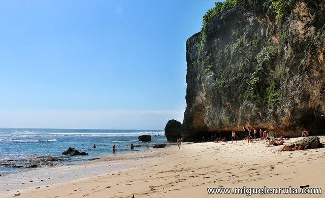 Uluwatu-Beach-foto