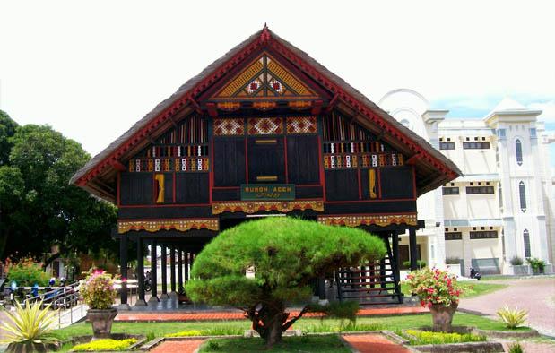 Rumah Adat Aceh (Krong Bade)