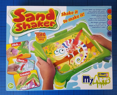 Easy and tidy sand art with the Revell MyArts Sand Shaker 30740 (review)