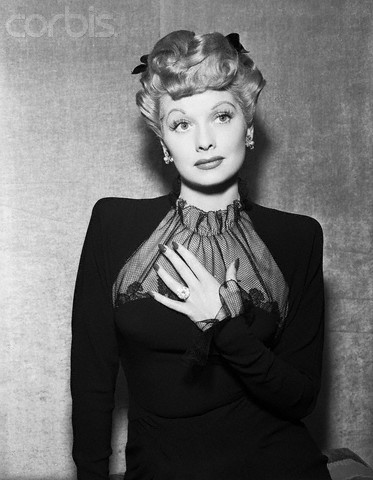 Lucille Ball Wore Her First Wedding Ring On Every Episode Of I Love Lucy And Only Started Wearing The Huge Diamond Desi Arnaz Bought For From