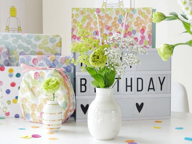 Deko-Inspiration für Geburtstagsfeiern - Deko-Idee mit Blumen quer durch Garten, Laden und Balkon - www.mammilade.blogspot.de - 5 Lieblinge, Momente und Motive der Woche