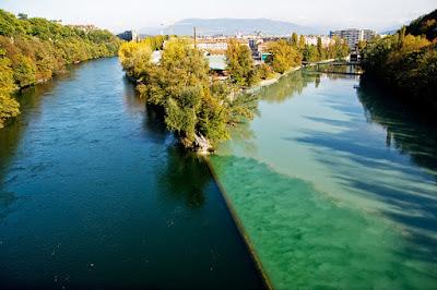 pertemuan 2 sungai tapi tak bercampur