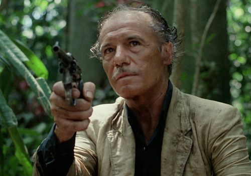 Francisco Rabal pointing a gun in Sorcerer