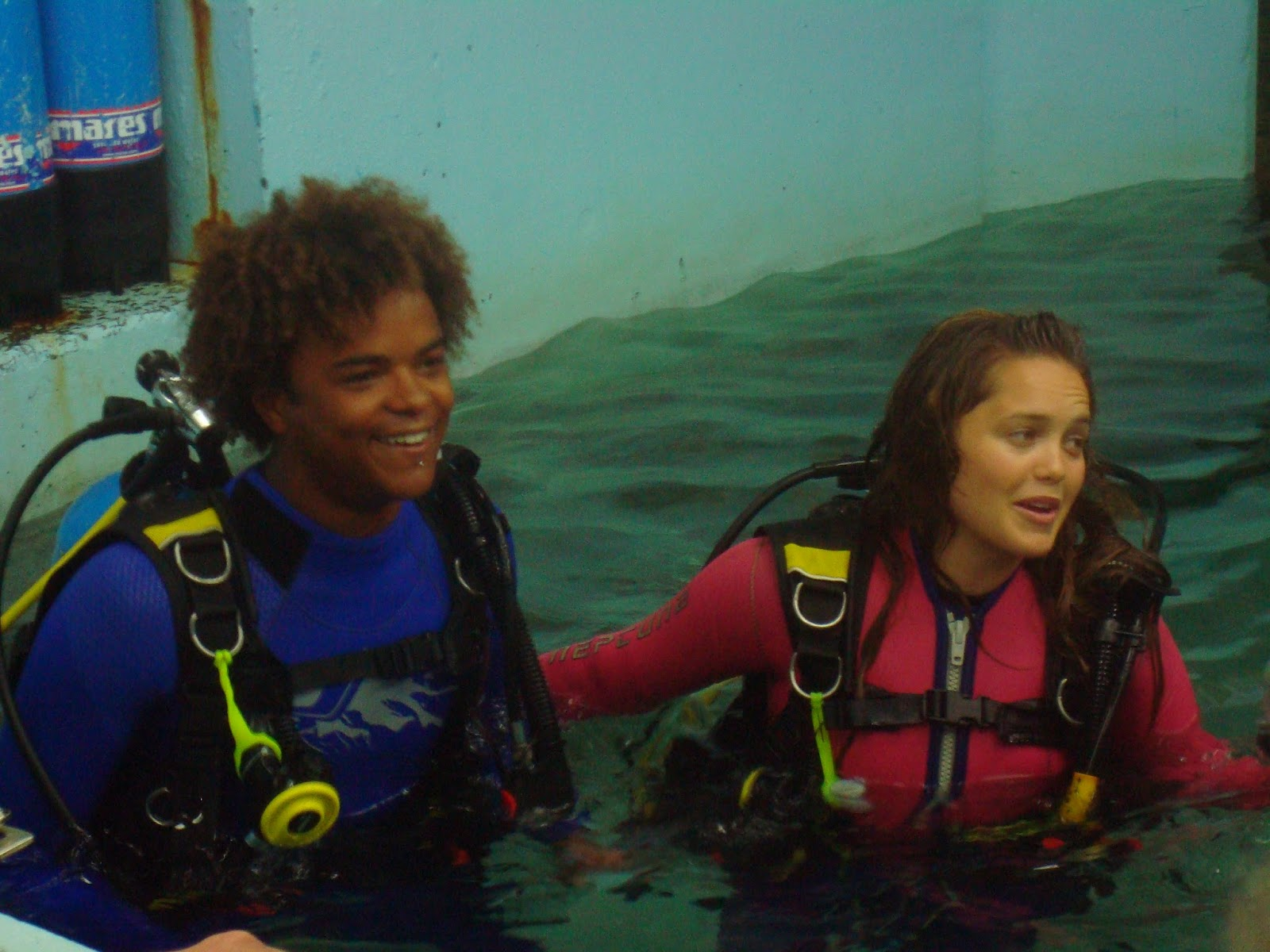 Blue Water High Cast shark dive xtreme: the bluewater high cast come for a dive