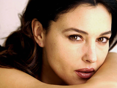 Monica Bellucci Normal Resolution HD Wallpaper 7