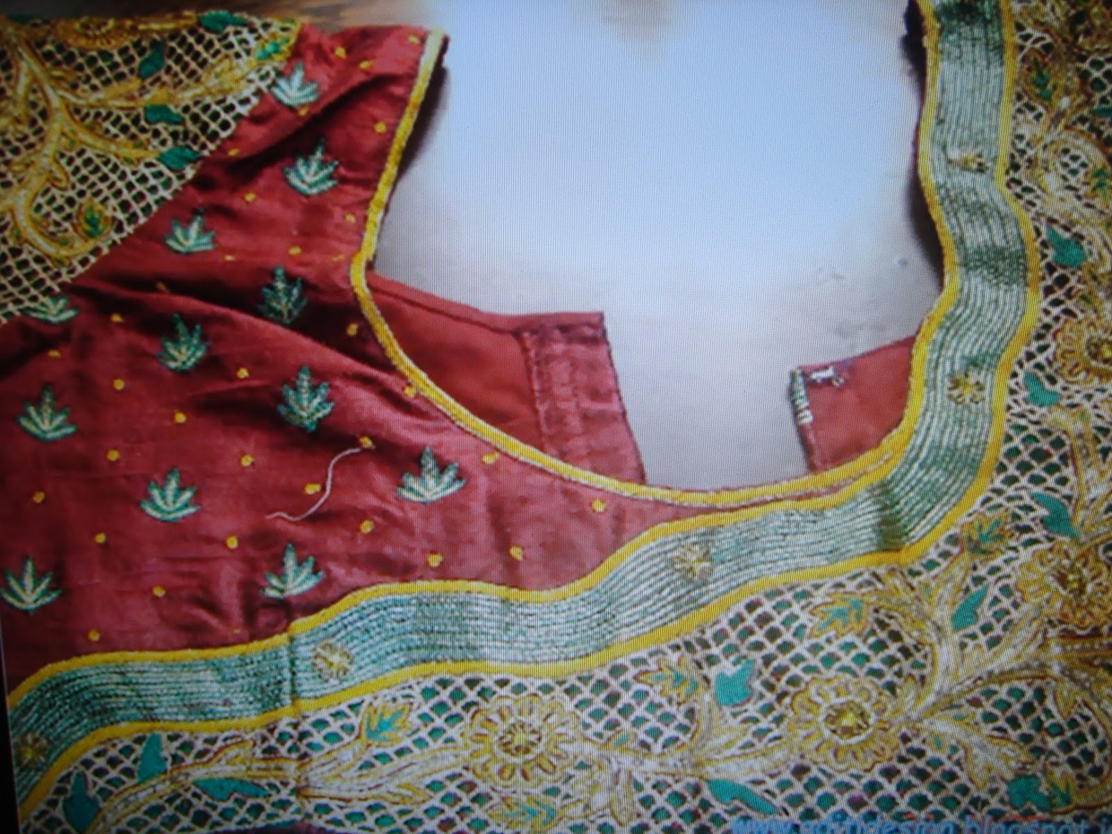 Blouse Back Neck Machine Embroidery Designs 21th Blouse Wearing