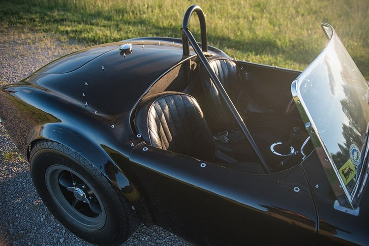 classic car 1963 Shelby 289 Cobra 5