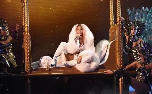 Nicki Minaj Creates A Snapchat Account, Nearly Breaks The Internet