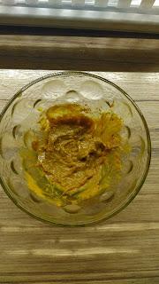 Zubní pasta z kokosového oleje a kurkumy