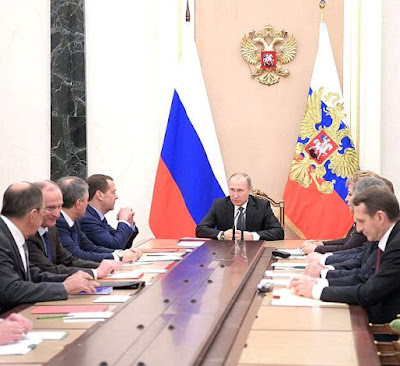 Vladimir Putin with members of Security Council.