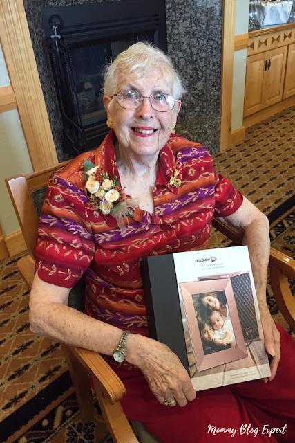 Nixplay Gifts for Great Grandma