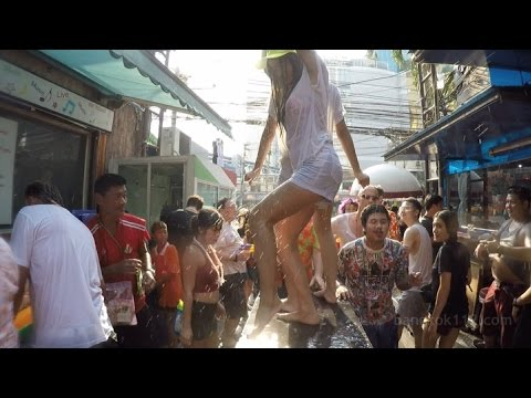 [ +10 ESSENTIAL TIPS ] Songkran at Soi Cowboy & Nana Plaza, Thailand