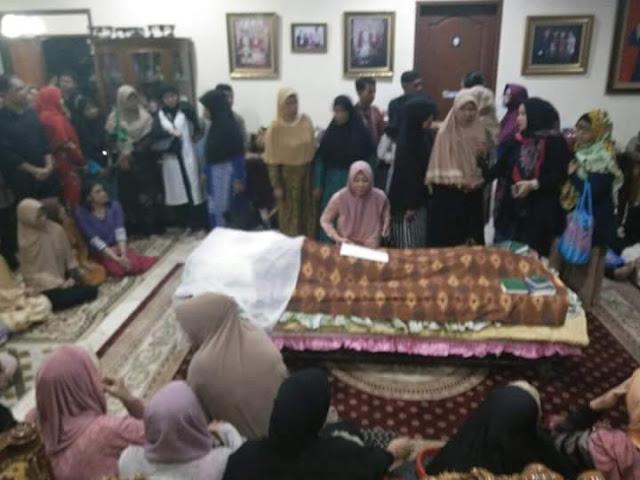 Istri Tukul Arwana Meninggal Dunia Penyebabnya Karena Asma